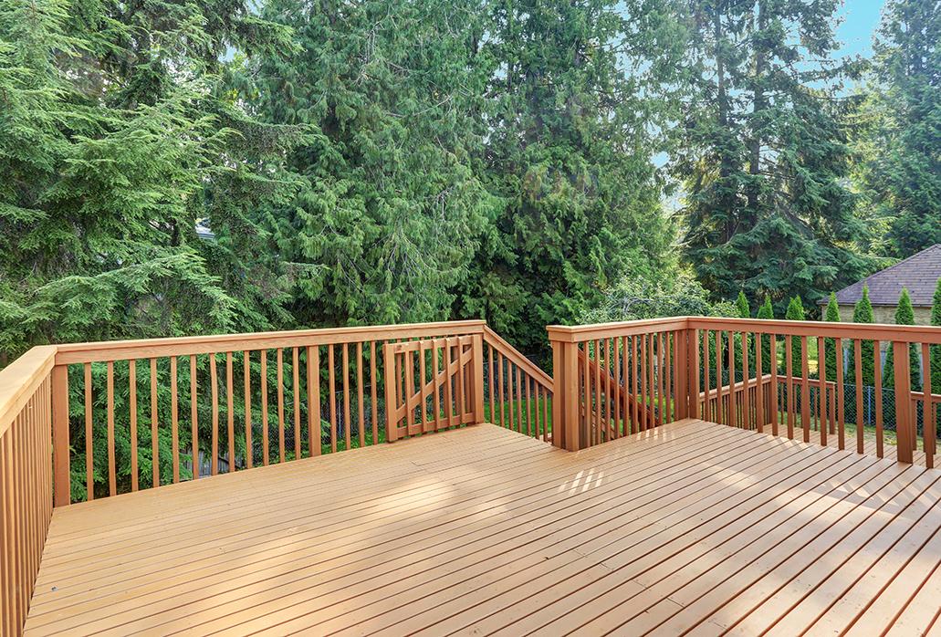 Wood Deck Railing